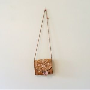 Vintage 70s crossbody Bag leather embroidery boho